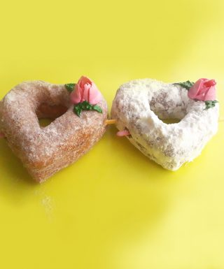 Valentines day donuts set